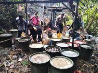 Polisi Grebek Pembuatan Miras Ilegal di Tengah Hutan Papua