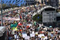 Pelajar Australia dan Asia Melawan Krisis Iklim