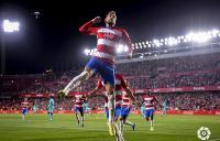 Granada Taklukkan Barcelona 2-0