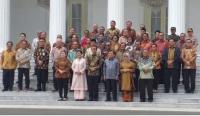 Kaget Kapolri Bisa Menyanyi, Jokowi: Suaranya Mirip-Mirip Paul Anka