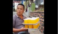 Viral, Video Bapak Kantin Naik Motor Bawa 20 Gelas Pakai Satu Tangan