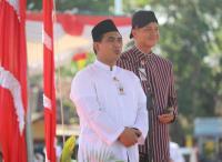 Ganjar dan Gus Yasin Tampil Kompak di Upacara Hari Santri