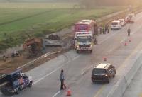 Bus Ziarah Wali Tabrak Truk Semen di Tol Pasuruan, 4 Orang Tewas