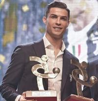 Gagal Raih Ballon dOr, Ronaldo Sabet Penghargaan Pemain  Terbaik Liga Italia