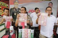 Polisi Bongkar Peredaran Uang Palsu Ratusan Juta Rupiah di Jatim