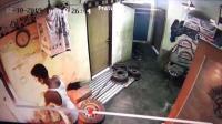 Pekerja Gudang Besi Terekam CCTV Bakar Mobil Majikan