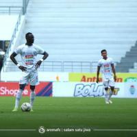 Arema FC Gagal Ambil Keuntungan dari Persebaya Surabaya