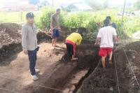 Petani Alpukat Temukan Struktur Bata Diduga Candi Pra Kerajaan Majapahit
