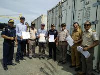 Bea Cukai Ambon Lepas Ekspor Udang Pertama dari Maluku