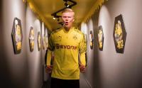 Sang Agen: Haaland Pilih Dortmund karena Kemauannya Sendiri