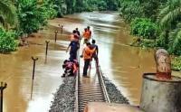 Banjir di Lahat Juga Lumpuhkan Jalur Kereta Api