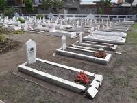 Bunga di Taman Makam Pahlawan Hilangkan Rasa Takut Para Peziarah