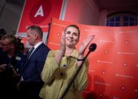 Bendera China Diganti Partikel Virus Korona, PM Denmark: Itu Kebebasan Berekspresi