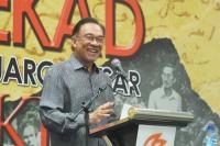 Anwar Ibrahim Minta Mahathir Mohamad Bertahan sebagai PM Malaysia