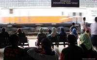 Sejumlah Kereta Api ke Jawa Timur Terlambat Tiba Imbas Banjir Jakarta