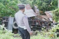 Truk Terguling ke Jurang di Tabanan Gara-Gara Rem Blong