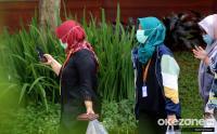 Cegah Penyebaran Covid-19, Polisi Bubarkan Ratusan Pencari Kerja di Minimarket