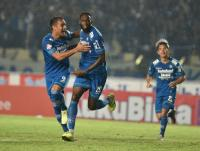 Robert Tak Janji Persib Tampil Garang saat Liga 1 2020 Kembali Bergulir