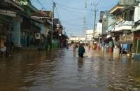 Banjir Rob Rendam Ratusan Rumah di Lamongan