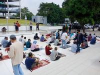 Antusiasme Warga Jakarta Kembali Sholat Jumat di Masjid Al Azhar
