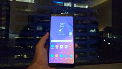 Kesan Pertama Menggenggam Samsung Galaxy A7, Ponsel dengan 3 Kamera Belakang