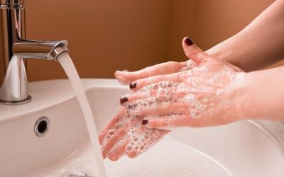 Sabun Cuci Tangan seperti Apa yang Paling Efektif Membunuh Kuman dan Virus?