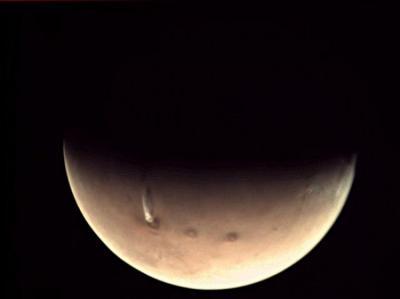 Gumpalan Asap di Mars, NASA: Itu Bukan Letusan Gunung Berapi