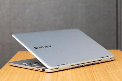 Tak Hanya Ponsel, Samsung Akan Bikin Laptop Lipat?