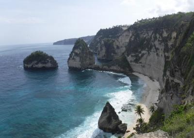 Diamond Beach Nusa Penida, Punya Spot Foto Keren dan Instagramable!