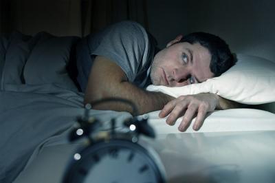 Makanan dan Minuman yang Bisa Bikin Tidur Anda Tidak Nyenyak!