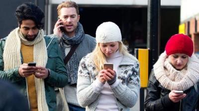 Benarkah Ponsel Menjajah dan Bikin Kita Kurang Produktif?