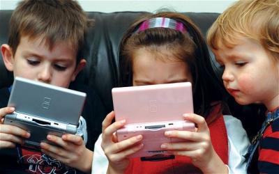 6 Tips Cegah Anak Kecanduan Gadget