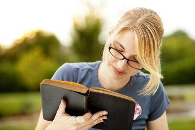Siap-Siap Harbolnas, Ini Rekomendasi Buku Bacaan yang Wajib Dibeli Menurut Zodiakmu