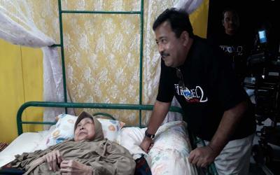 Syuting Film Si Doel Naik Ambulans, Aminah Cendrakasih Tak Patah Semangat