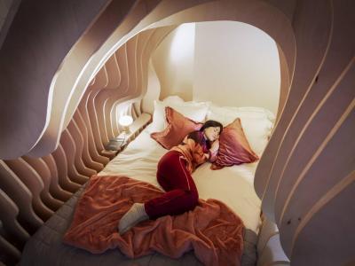 Di Inggris Ada Kamar Tidur seperti Rahim Wanita, Bikin Tamu Betah Berlama-lama Menginap