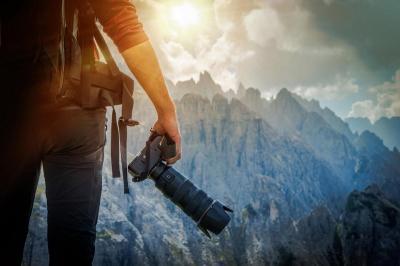 Demi Foto Liburan Ciamik, Keluarga Asal Inggris Ini Sewa Jasa Fotografer hingga Rp1,5 Miliar