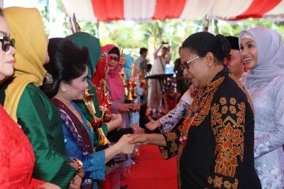 Momentum Hari Ibu, Menteri Yohana Minta Masyarakat Lebih Menghargai Kaum Perempuan.