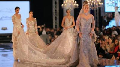 Buat Gaun dengan Berlian Mahal, Perancang Busana Ini Dikritik Netizen