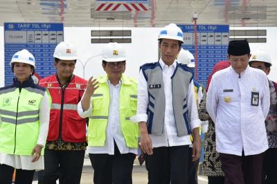 Presiden Jokowi Resmikan Pembangunan Tol Aceh