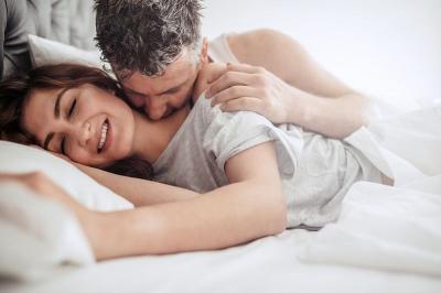 Sentuh Bagian A-Spot, Titik Sensitif Lain yang Bikin Lebih Mudah Rangsang Istri