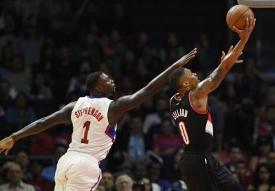 Sumbang 39 Poin, Damian Lillard Antar Blazers Kalahkan Clippers