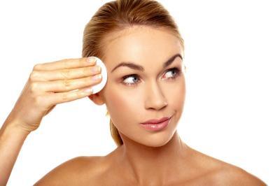 Kulit Wajah Berminyak, Ini Tips Jitu agar Make-Up Lebih Tahan Lama