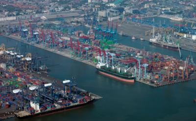 Swasta Didorong Terlibat Bangun Pelabuhan
