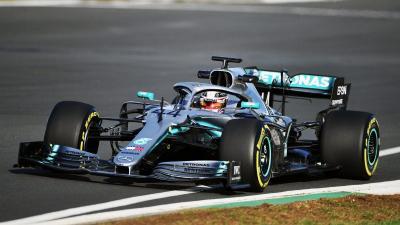 Hamilton Berharap Masalah di Mobil Mercedes Cepat Terungkap