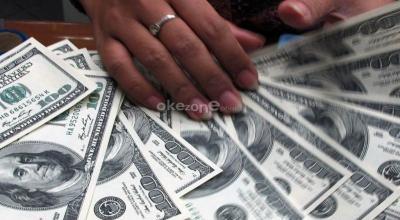 Dolar Melemah Imbas Lesunya Data Ekonomi Amerika