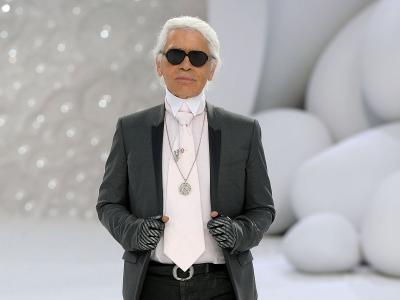 Karl Lagerfeld Minum 10 Soda Diet Dalam Sehari!