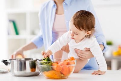 Mau Otak Anak Pintar, Jangan Lupa Beri Asupan Makanan Ini Moms