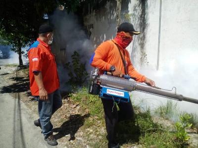 Takut Terjangkit DB, Warga Bojonegoro Minta Diasapi Rescue Perindo Jatim