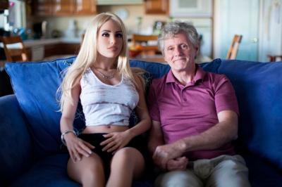 Kakek 58 Tahun Ini Dapat Izin Istri Beli Robot Seks, Bagaimana Kisahnya?
