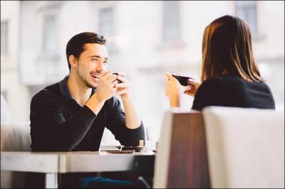4 Cara Mudah Mengambil Hati Wanita, Nomor Dua Penting Banget